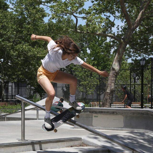 5月10日公開 映画『Skate Kitchen (スケート・キッチン)』NYのガールズスケーター集団の絆と友情、スケートシーンの現実と孤独を描く話題作