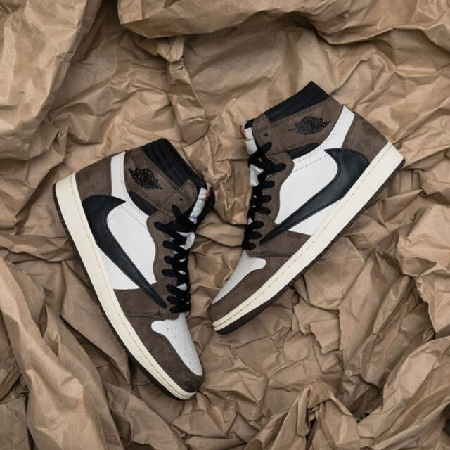 Nike Travis Scott Air Jordan 1 Retro High OG-12