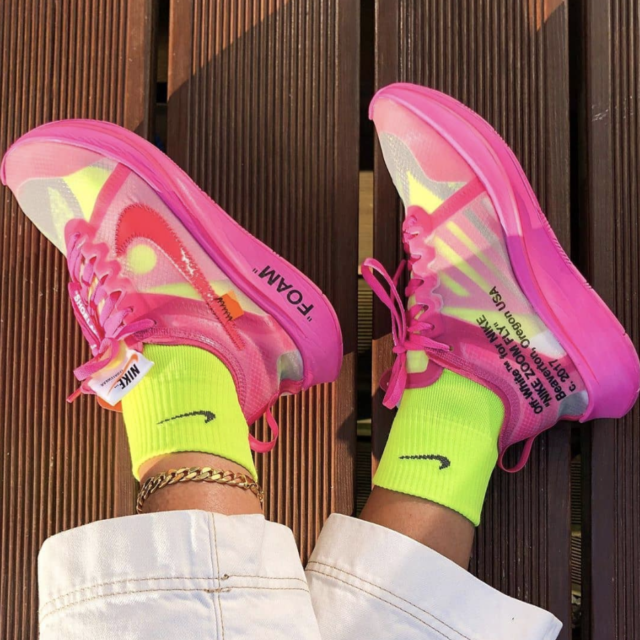 スニーカーx靴下コーデ特集 (Sneakers_Socks_Style_banner)