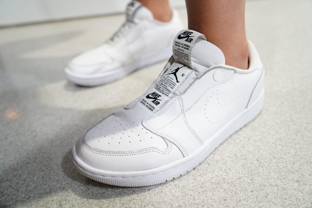 アトモスコン 7 スナップ写真 (atmoscon-vol.7-sneaker-girl-style-snap-Dani_Chichi-titan-philippines_AJ1_low)