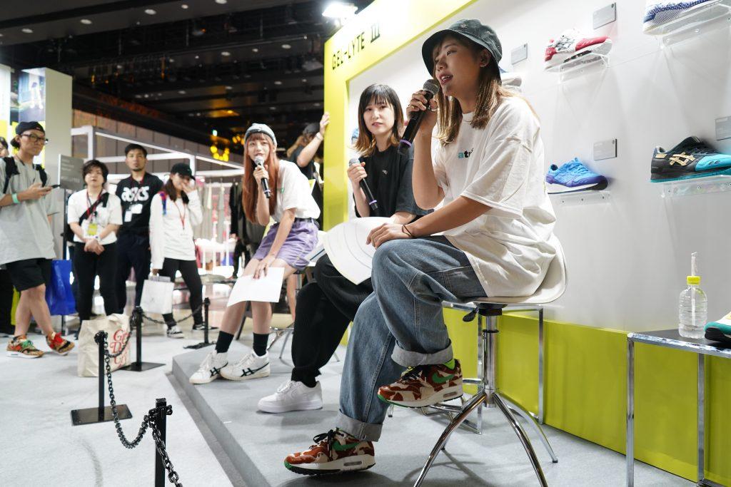 アトモスコン vol.7 スニーカー女子パネルディスカッションの様子 (atmoscon-vol.7-sneaker-girl-style-snap-Sneaker_joshi_panel_discussion_2)