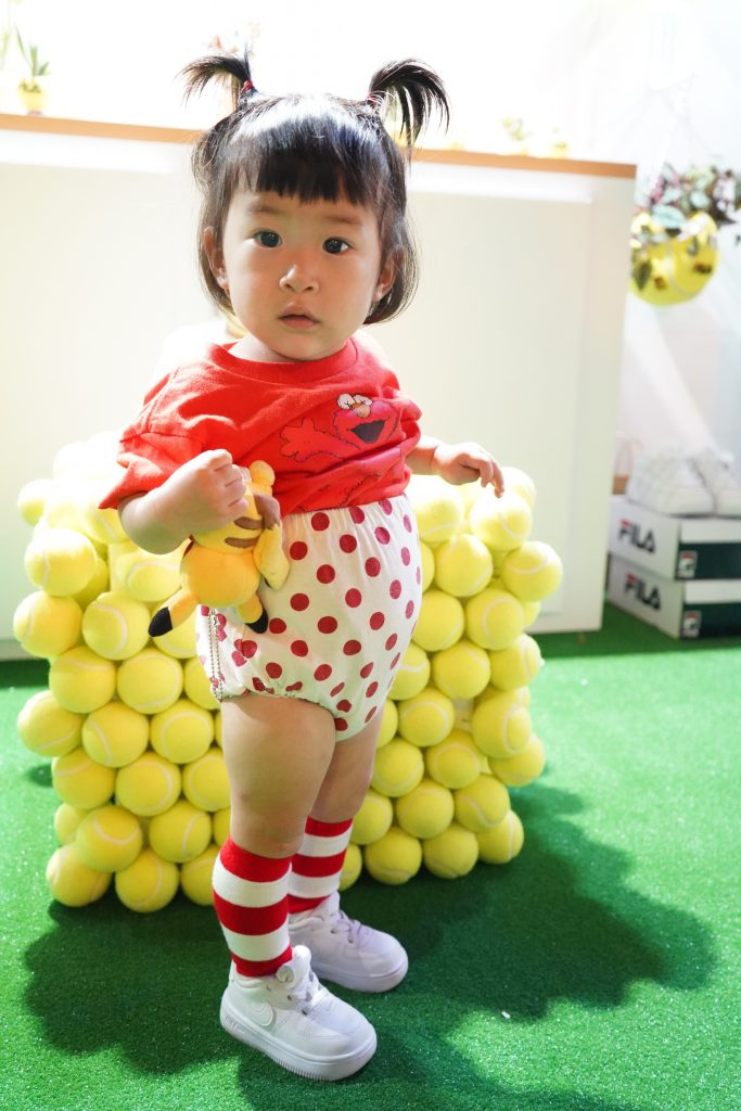 アトモスコン 7 スナップ写真 (atmoscon-vol.7-sneaker-girl-style-snap-hinata)