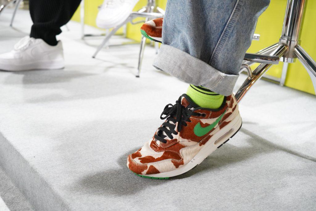 アトモスコン vol.7 スニーカー女子パネルディスカッションの様子 (atmoscon-vol.7-sneaker-girl-style-snap_atmos_AM1_giraf)