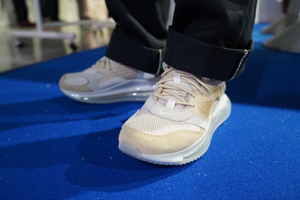 スニーカー女子 @アトモスコンvol.7 - Harunaさん at atmos (Nike Air Max 720 OBJ by Haruna from atmos at atmoscon vol.7)