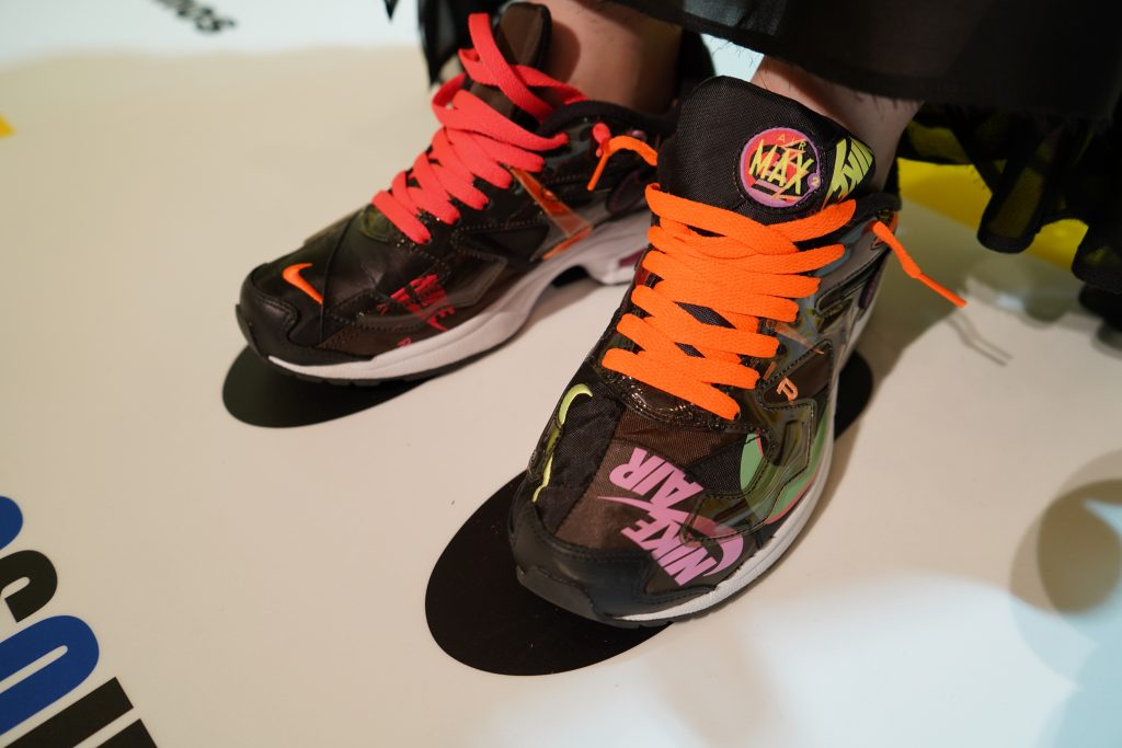 atmoscon-vol.7-sneaker-girl-style-snap-Ichikawa san_Air Max 200_atmos_black
