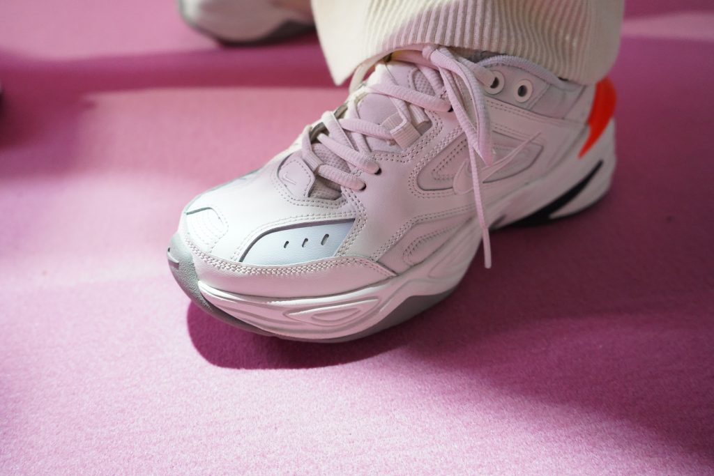 アトモスコン 7 スナップ写真 (atmoscon-vol.7-sneaker-girl-style-snap_Nike MK2_Tekno_AO3108-001)
