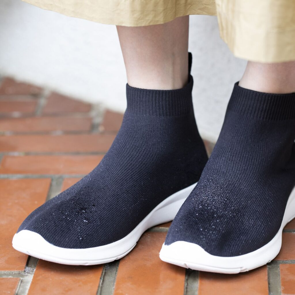 Muji_Rainshoes_sneakers_grey_8