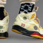 """オフホワイト × ナイキ エア ジョーダン 5 """"セイル"""" Off-White × Nike Air Jordan 5 """"Sail"""" DH8565-100 on-feet pair back"""