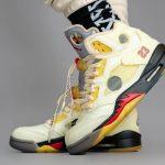 """オフホワイト × ナイキ エア ジョーダン 5 """"セイル"""" Off-White × Nike Air Jordan 5 """"Sail"""" DH8565-100 on-feet pair left side"""