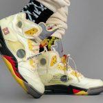 """オフホワイト × ナイキ エア ジョーダン 5 """"セイル"""" Off-White × Nike Air Jordan 5 """"Sail"""" DH8565-100 on-feet pair side"""