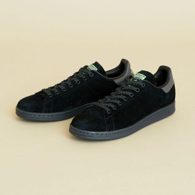adidas WMNS Suede Stan Smith (アディダス ウィメンズ スエード スタンスミス) pair