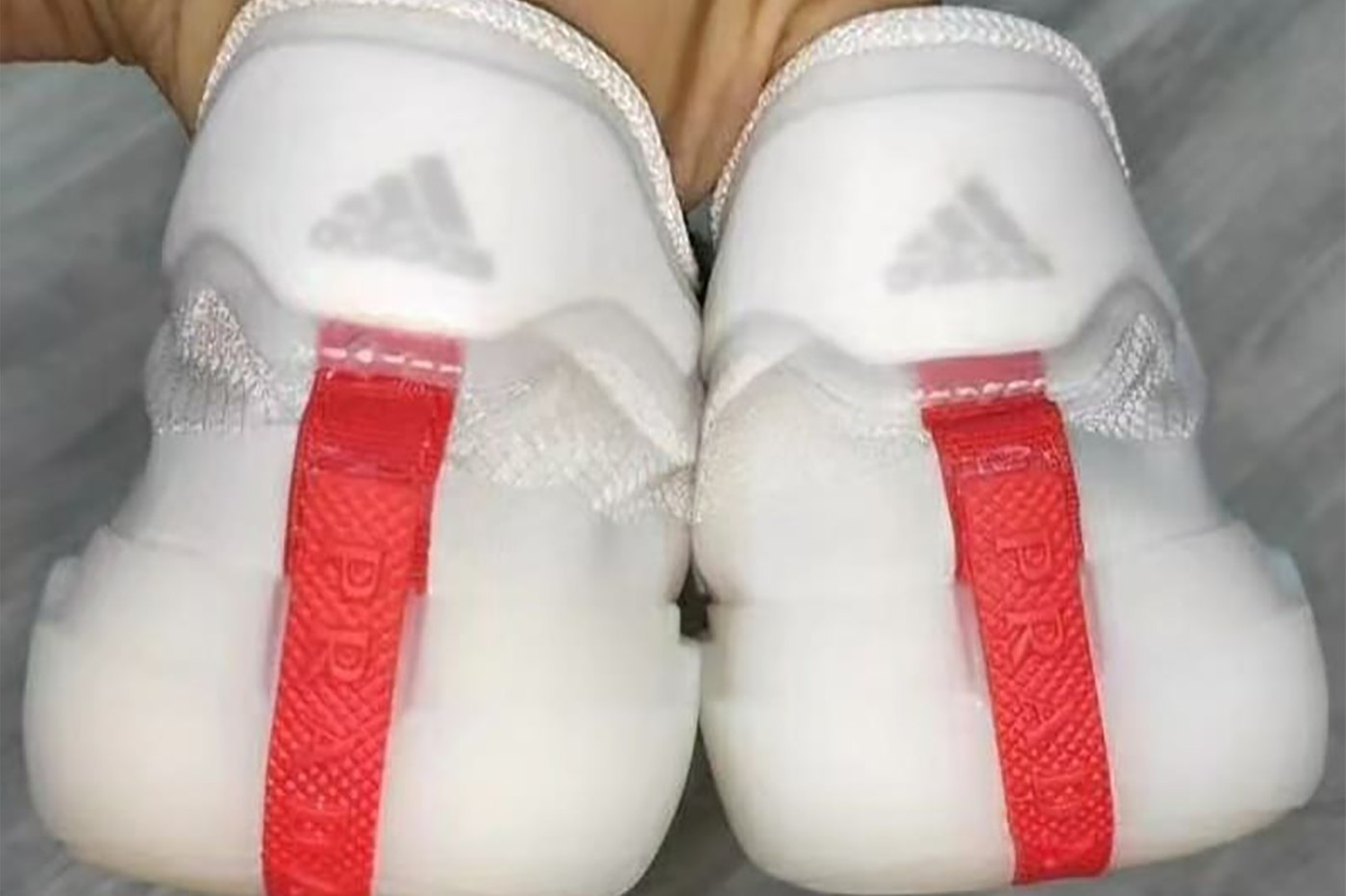 Prada x Adidas プラダ x アディダス back