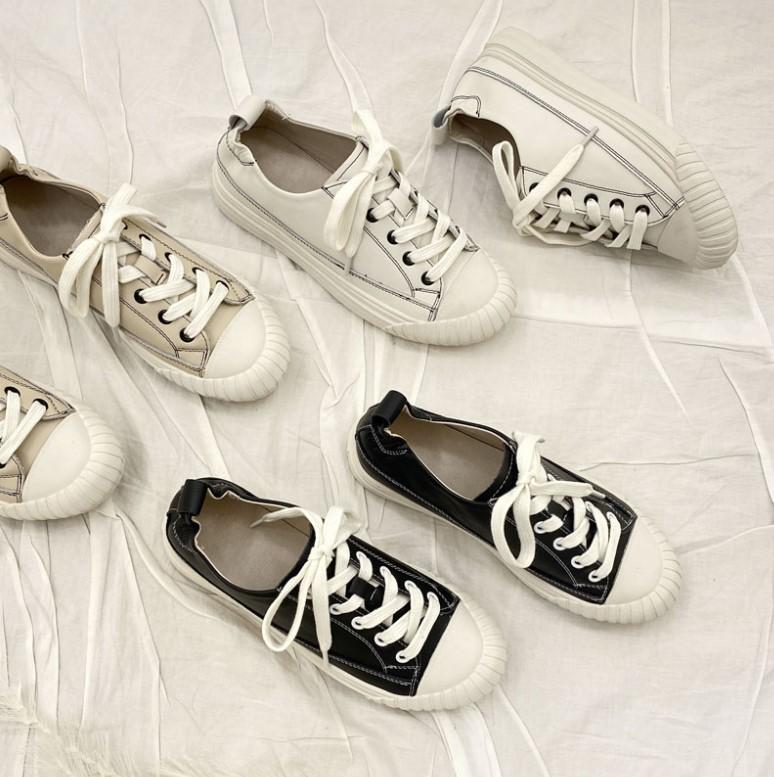 1:ウェーブタイプにおすすめのスニーカー bodytype_sneakers_recommend-round-toe-sample