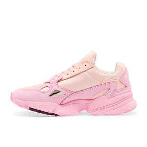 イエベ春に似合う色3:ピンク Adidas Falcon Pink