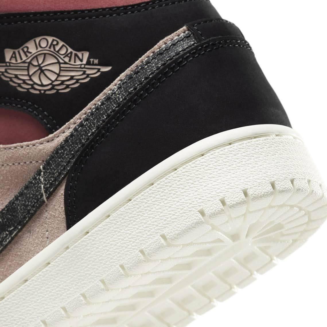 """ナイキ エア ジョーダン 1 ミッド """"バーガンディ/ ダスティピンク"""" Nike-Air-Jordan-1-WMNS-Dusty-Pink-Burgundy-heel-closoup"""