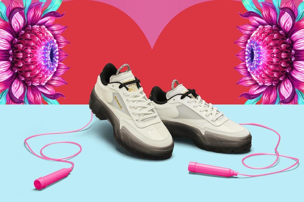 Reebok CLASSIC x Cardi B カーディ・B クラブ シー Cardi B Club C Shoes コラボ image white