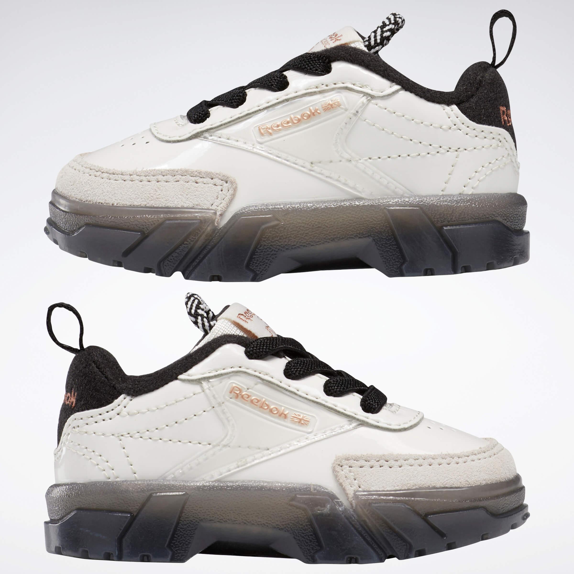 Reebok CLASSIC x Cardi B カーディ・B クラブ シー Cardi B Club C Shoes コラボ product side both