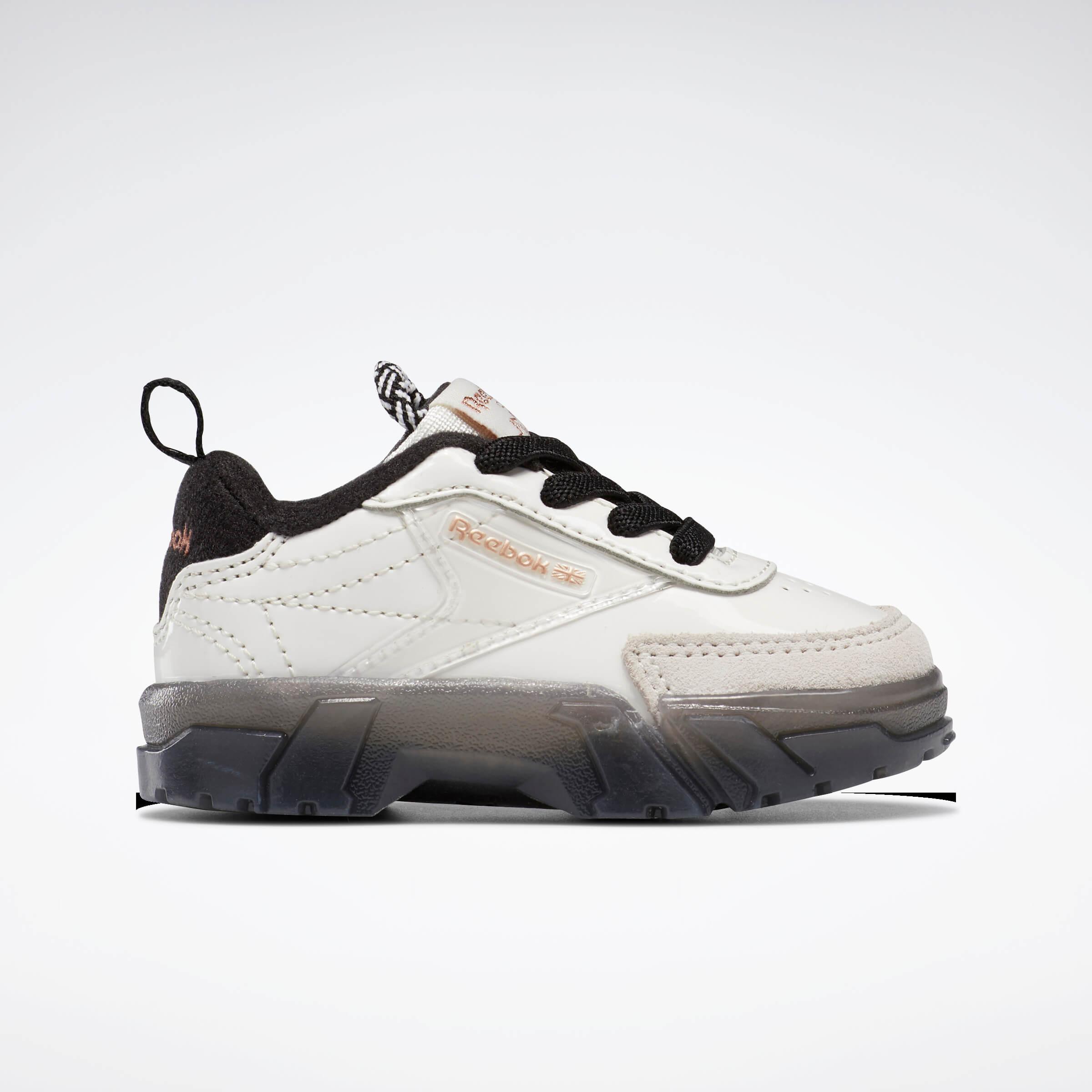 Reebok CLASSIC x Cardi B カーディ・B クラブ シー Cardi B Club C Shoes コラボ product side