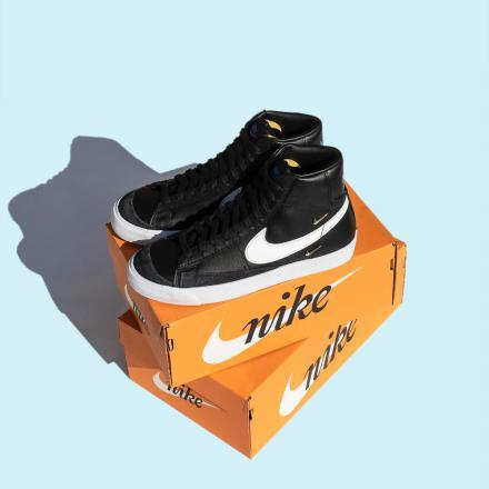 """ナイキ ウィメンズ ブレーザー ミッド '77 SE """"シスターフッド""""Nike WMNS Blazer MID '77 SE """"Sisterhood""""-CZ4627-001-on-box"""