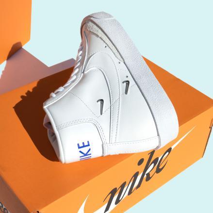 """ナイキ ウィメンズ ブレーザー ミッド '77 SE """"シスターフッド""""Nike WMNS Blazer MID '77 SE """"Sisterhood""""-CZ4627-100-on-box2"""
