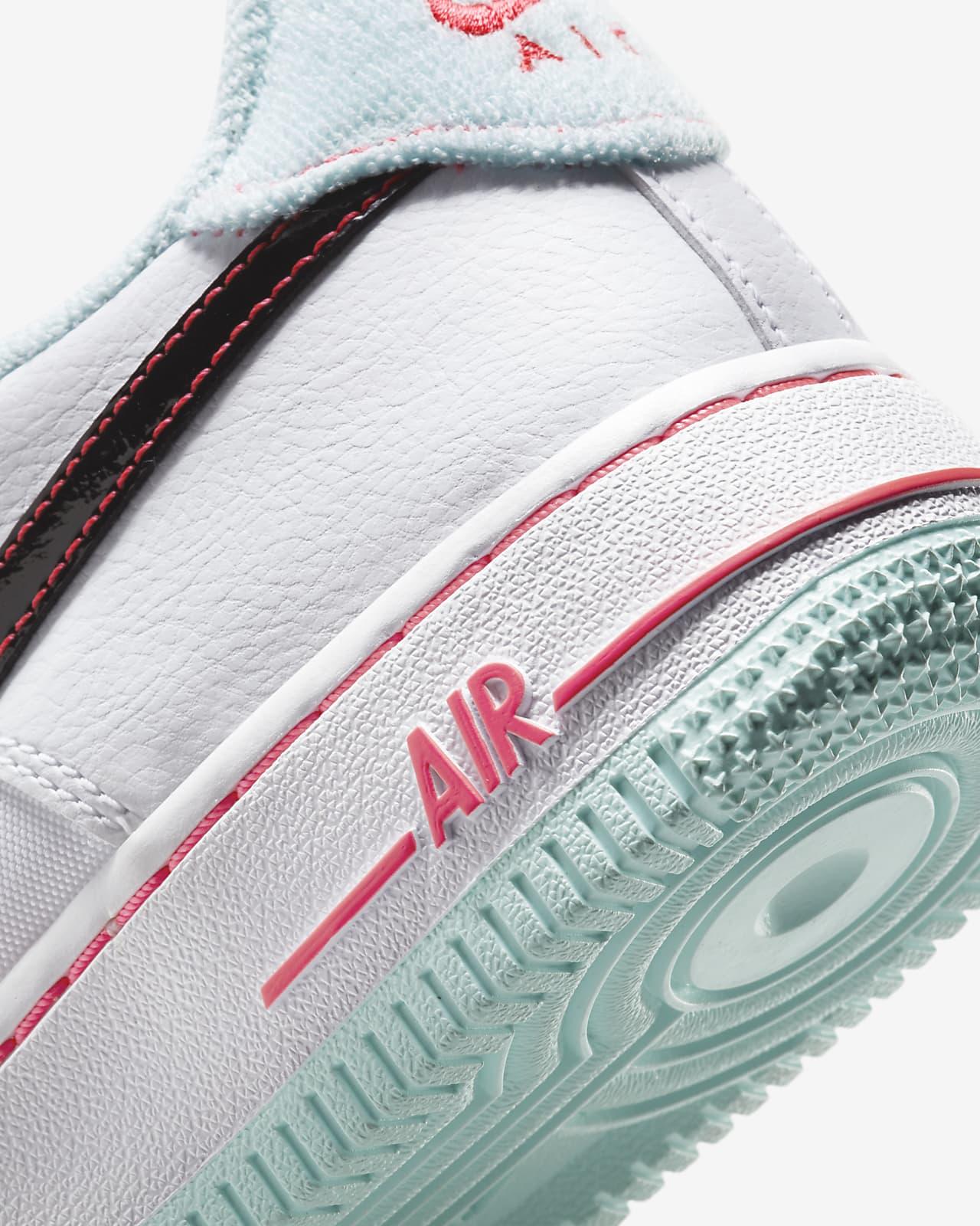 ナイキ エア フォース 1 ホワイト フラッシュ クリムゾン アトミック ピンク Nike Air Force 1 07 LV8 White Flash Crimson Atomic Pink DD7709-100 close heel