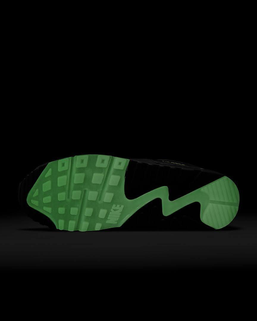 ナイキ エア マックス 90 スパイダー ウェブ Nike-Air-Max-90-spider-Web-sole-glow