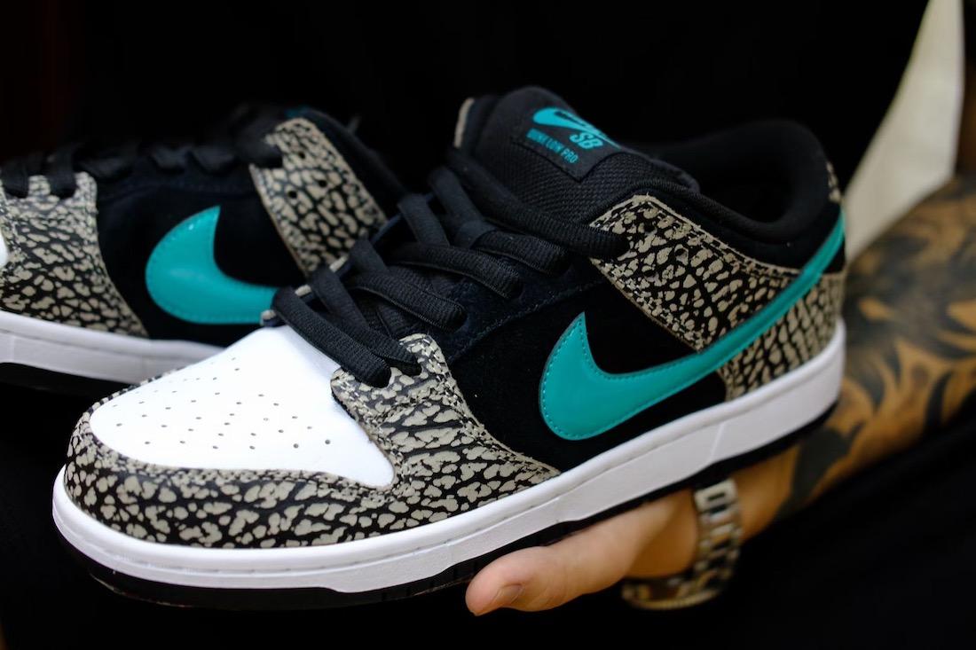 ナイキ SB ダンク ロー アトモス エレファント Nike-SB-Dunk-Low-Elephant-BQ6817-009-pair