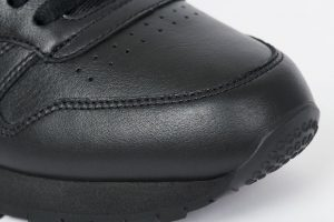 パレス スケートボード × リーボック クラシック レザー ポンプ / ブラック Palace-Winter-Reebok-pump-black-toe-closeup