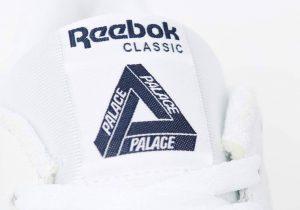 パレス スケートボード × リーボック クラシック レザー ポンプ / ホワイト Palace-Winter-Reebok-pump-white-tongue-logo-closeup