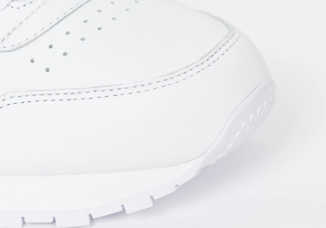 パレス スケートボード × リーボック クラシック レザー ポンプ / ホワイト Palace-Winter-Reebok-pump-white-toe-closeup