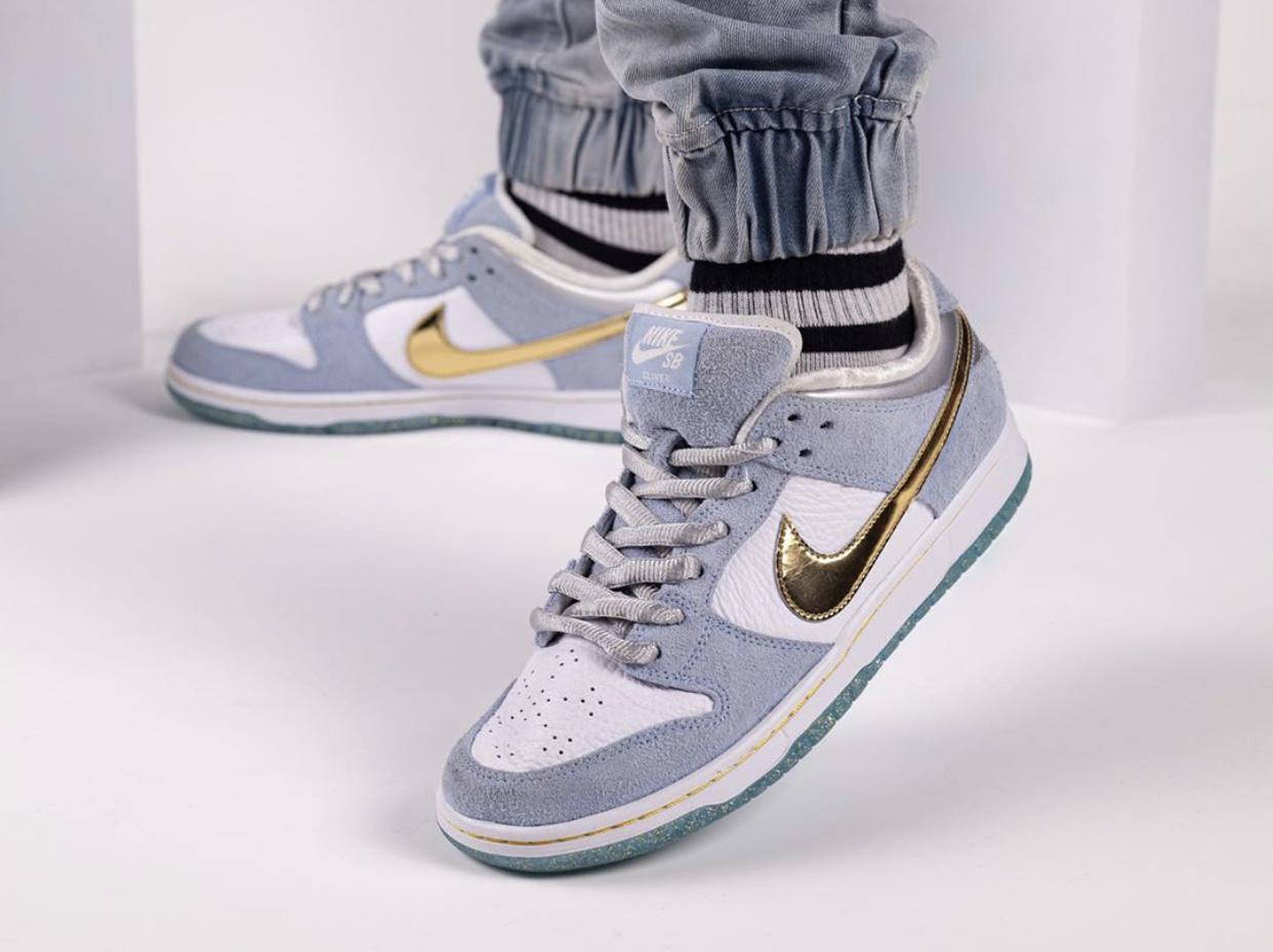 Sean-Cliver-Nike-SB-Dunk-Low-DC9936-100-wearing2