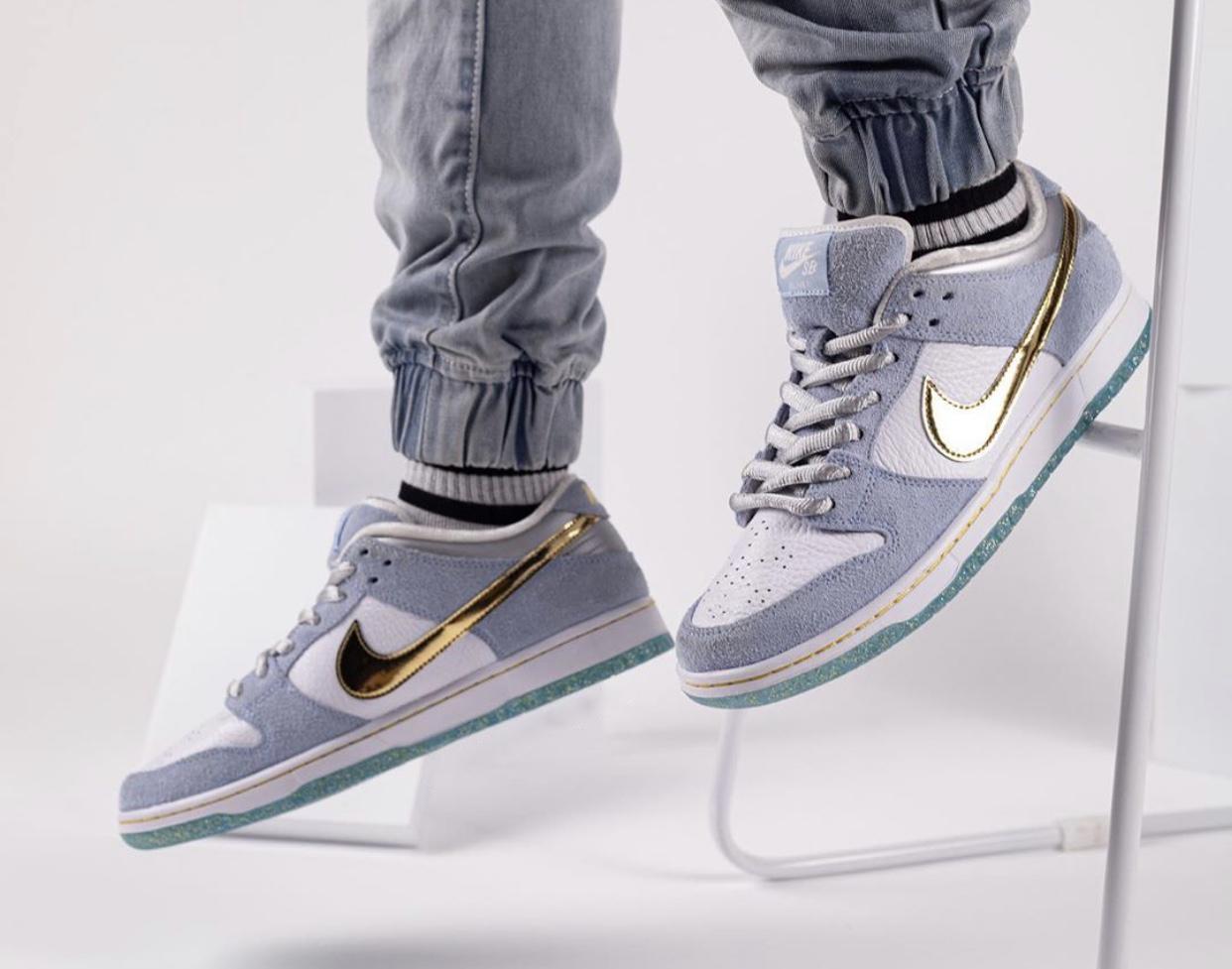 Sean-Cliver-Nike-SB-Dunk-Low-DC9936-100-wearing6