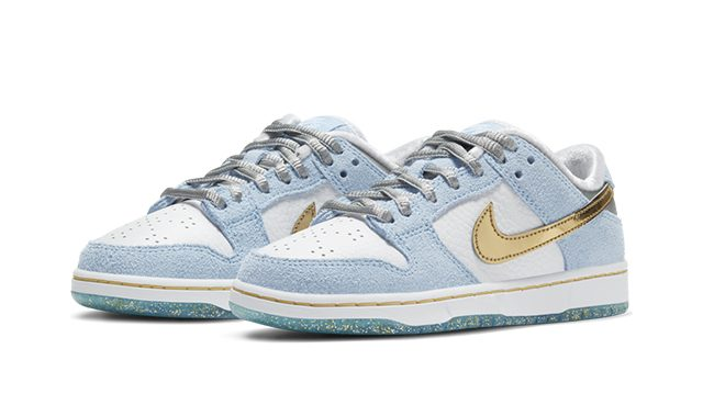 Sean Cliver x Nike SB Dunk Low_Holiday Special_DJ2519-400-640