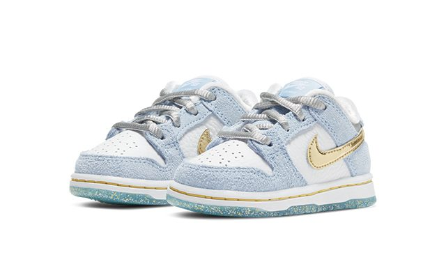 Sean Cliver x Nike SB Dunk Low_Holiday Special_DJ2520-400-640