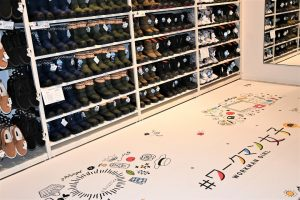 ワークマン女子 店舗 1号店 横浜 デザイン 内装 Workman Joshi shop info floor design フォトブース イラスト