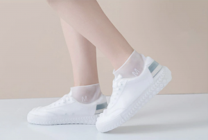 rain_cover_for_sneakers_atmos