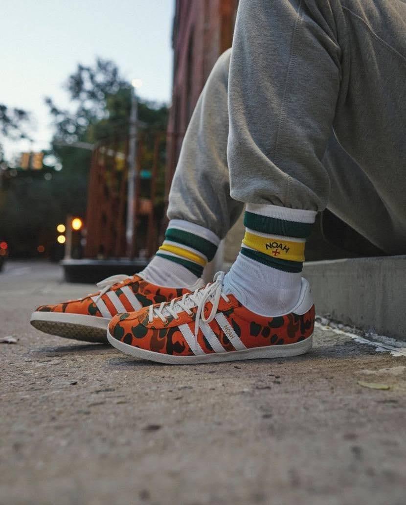 """ノア × アディダス オリジナルス ガゼル OG 全2色 Noah x Adidas Gazelle OG """"Orange Camo""""-style"""
