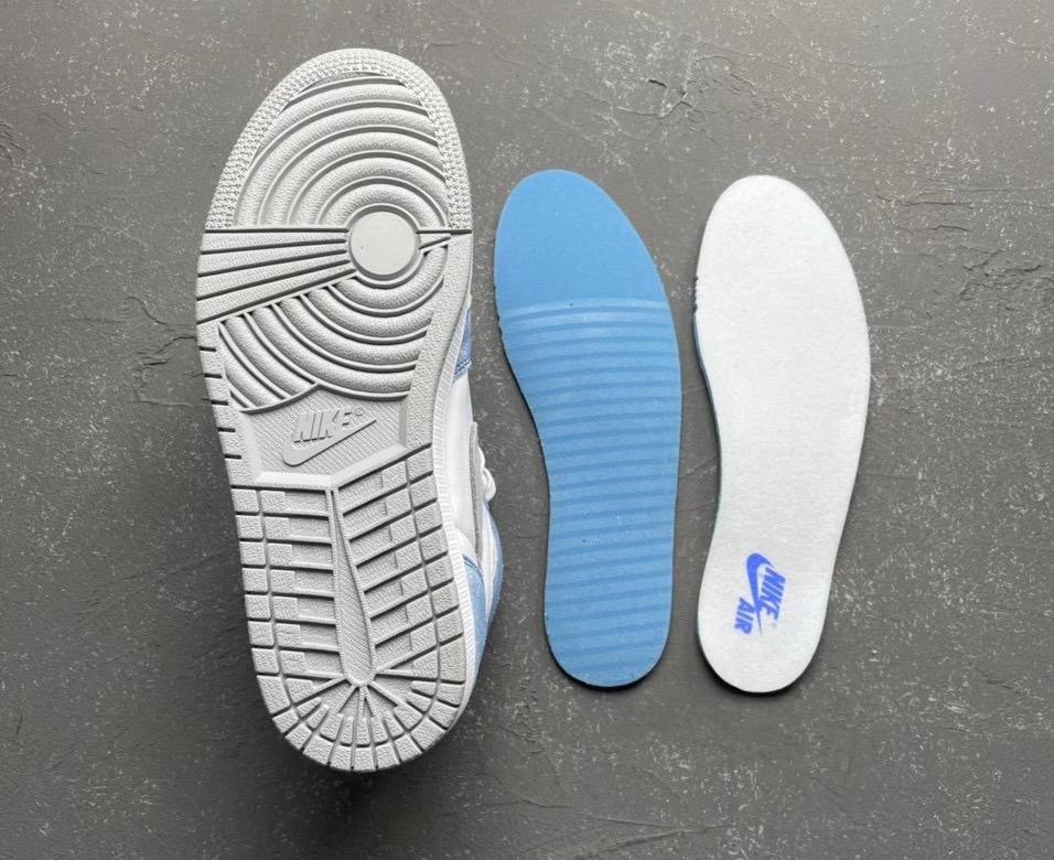 """ナイキ エア ジョーダン 1 ハイ OG """"ハイパーロイヤル"""" Nike-Air-Jordan-1-Hyper-Royal-555088-402 main"""