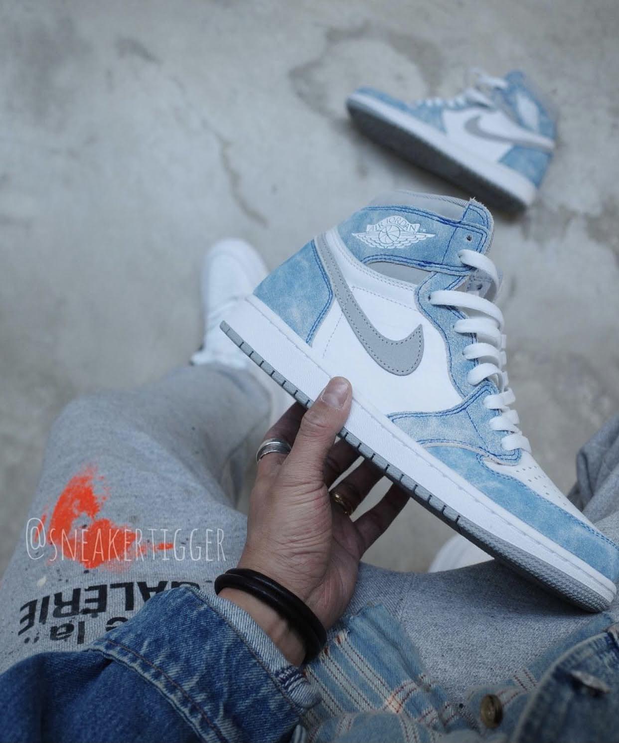 """ナイキ エア ジョーダン 1 ハイ OG """"ハイパーロイヤル"""" Nike-Air-Jordan-1-Hyper-Royal-555088-402-5-side"""