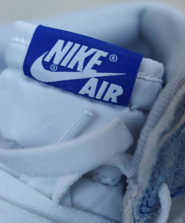 """ナイキ エア ジョーダン 1 ハイ OG """"ハイパーロイヤル"""" Nike-Air-Jordan-1-Hyper-Royal-555088-402-6-tongue-logo"""