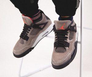 """ナイキ エア ジョーダン 4 """"タープヘイズ""""-Air-Jordan-4-Taupe-Haze-DB0732-200-Release-Date-On-Feet5"""