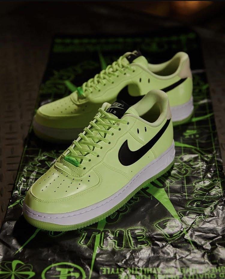 ナイキ ウィメンズ エア フォース 1 '07 LX Nike WMNS Air Force 1 '07 LX-pair-2