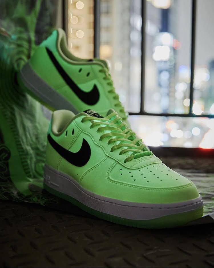 ナイキ ウィメンズ エア フォース 1 '07 LX Nike WMNS Air Force 1 '07 LX-pair-glowing4