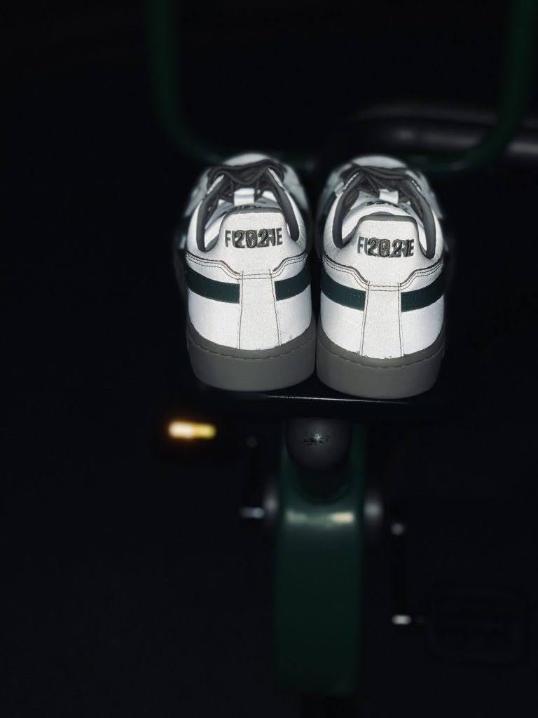 """アシックス ゲル PTG """"ホープフル フューチャー"""" Asics-GEL-PTG-Hopeful-Future-1203A072-100-pair-heel-in-dark"""