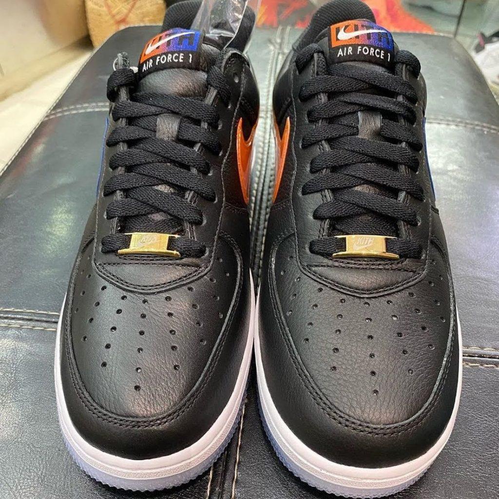 """キス x ナイキ エア フォース 1 ロー """"NYC""""-Kith-Nike-Air-Force-1-Low-NYC-Black-CZ7928-001-pair-front"""