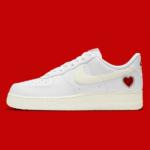 ナイキエアフォース1 バレンタインデー20201 モデル:Nike Air Force 1 Valentine's Day 2021