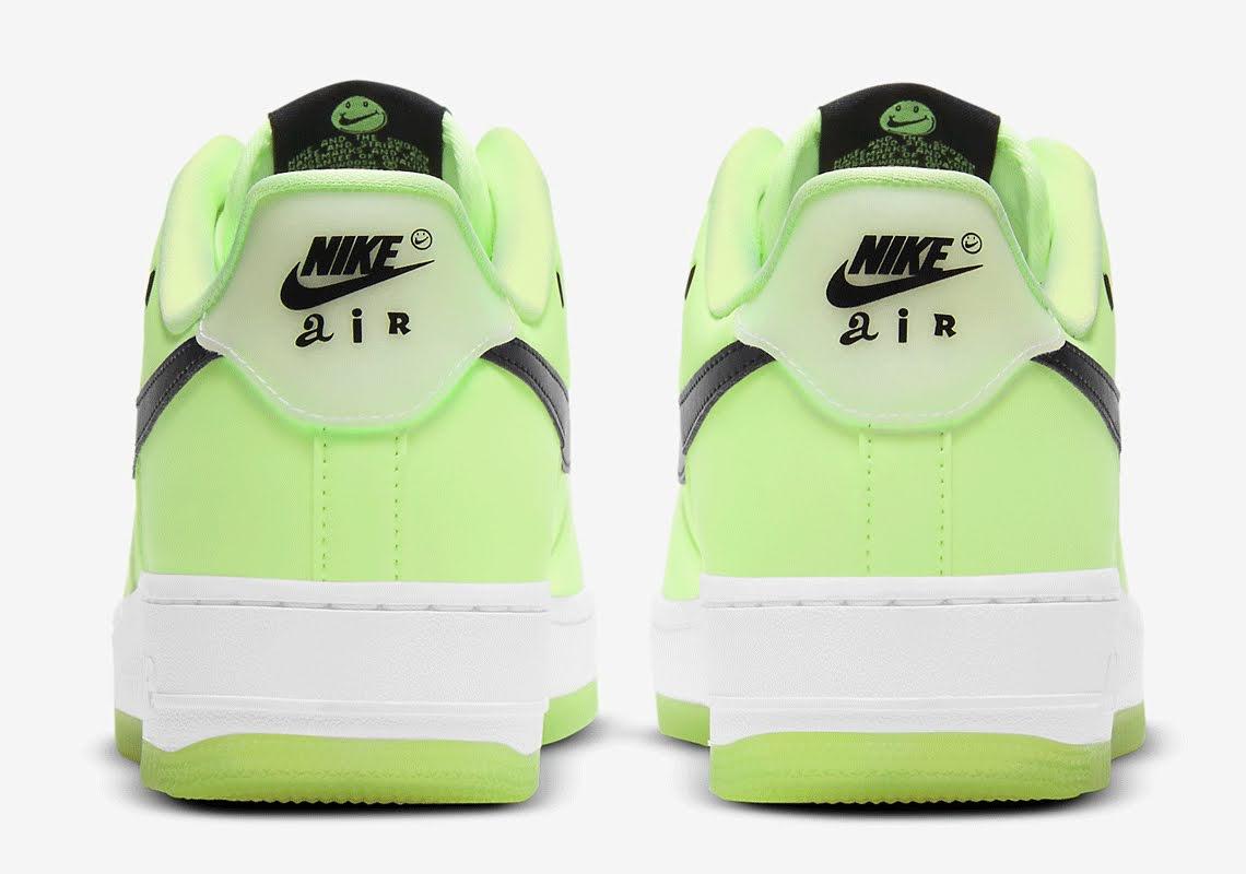 ナイキ エア フォース 1 ハブ ア ナイキ デー グロー イン ザ ダーク グリーン Nike-Air-Force-1-glow-in-the-dark-have-a-nike-day-CT3228-701 back