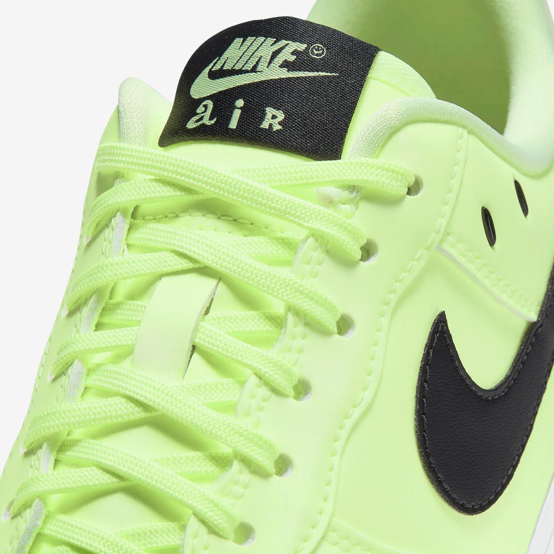 ナイキ エア フォース 1 ハブ ア ナイキ デー グロー イン ザ ダーク グリーン Nike-Air-Force-1-glow-in-the-dark-have-a-nike-day-CT3228-701 shoelace