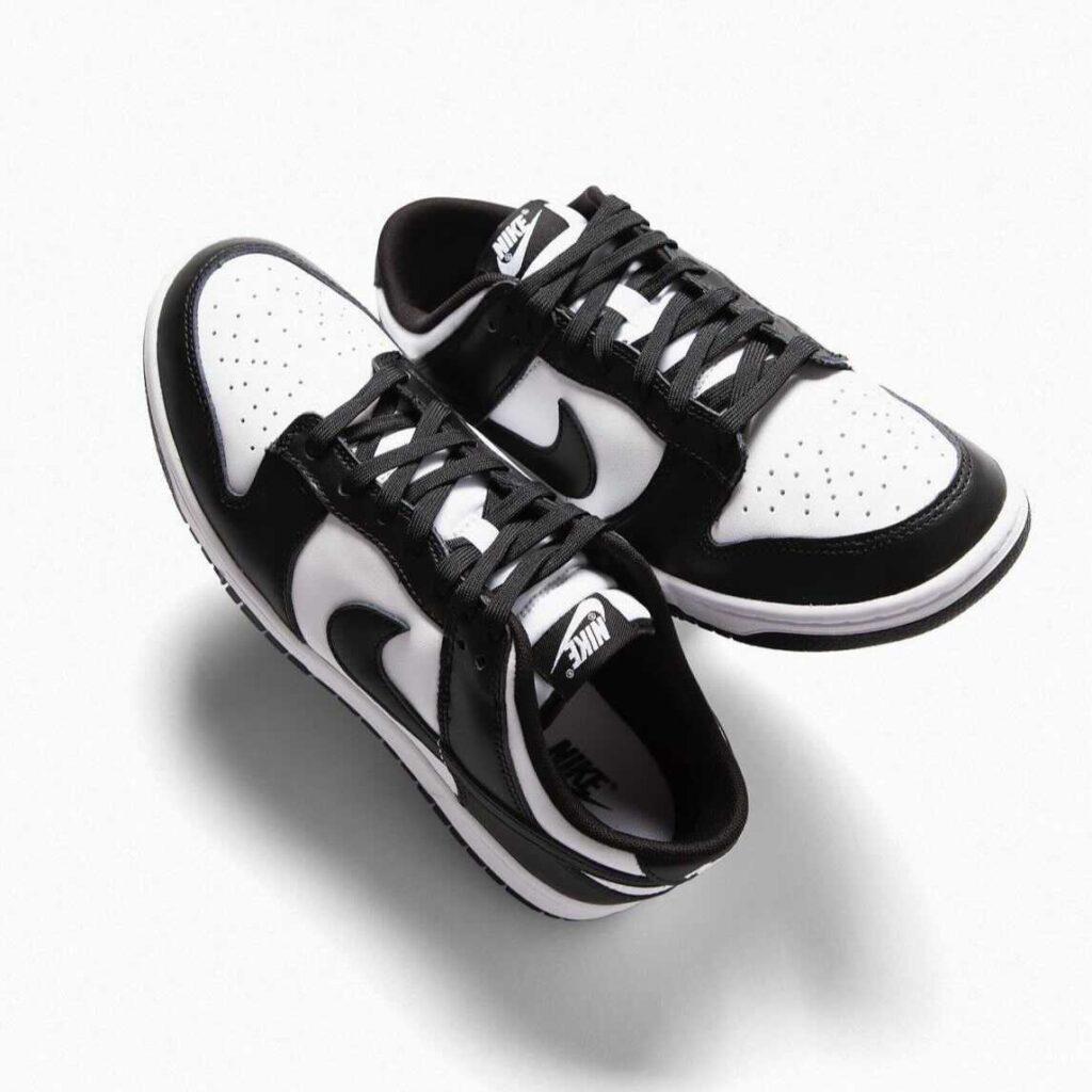 """9月17日再販【Nike WMNS Dunk Low & Nike Dunk Low """"White/ Black""""】"""