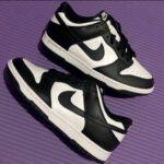 """ナイキ ウィメンズ ダンク ロー """"ホワイト/ ブラック"""" Nike-Dunk-Low-White-Black-DD1391-100-pair-main-purple-back"""